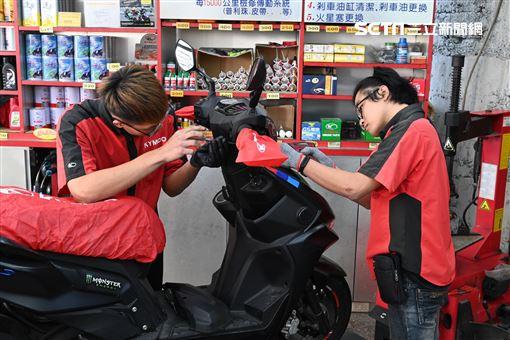 ▲傳統車行養活無數台灣家庭。(圖/鍾釗榛攝影)
