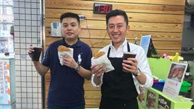 狂賀小英幸運碼!新竹放送817份雞排 林智堅加碼送817杯青草茶