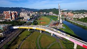 捷運環狀線彩虹橋