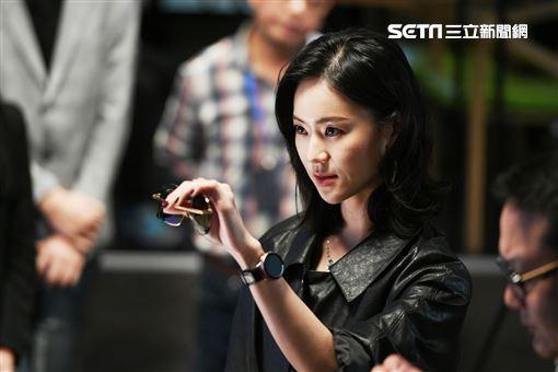 鍾瑶、宏正。
