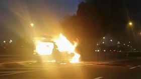 台中,車禍,火燒車,意外,塞車(圖/翻攝畫面)