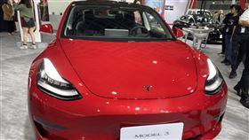 特斯拉12月Model 3掛牌數突破千輛電動車大廠特期拉(Tesla)宣布Model 3在台灣12月掛牌數已突破千輛,有機會改寫電動車於台灣單月掛牌紀錄,明年將達成25座超級充電站。中央社記者韓婷婷攝 108年12月27日