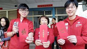 台灣基進新春活動,張博洋、成令方發送春聯