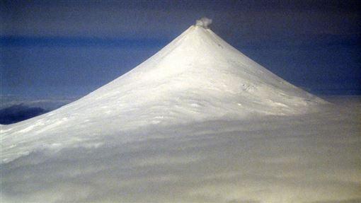 阿拉斯加州希沙爾丁火山(Shishaldin Volcano)(圖取自維基共享資源,版權屬公有領域)