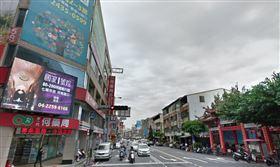 爆料公社,活春宮,台中,猥褻,激戰,路口,馬路,BMW,誇張,電線桿, 圖/翻攝自Google map