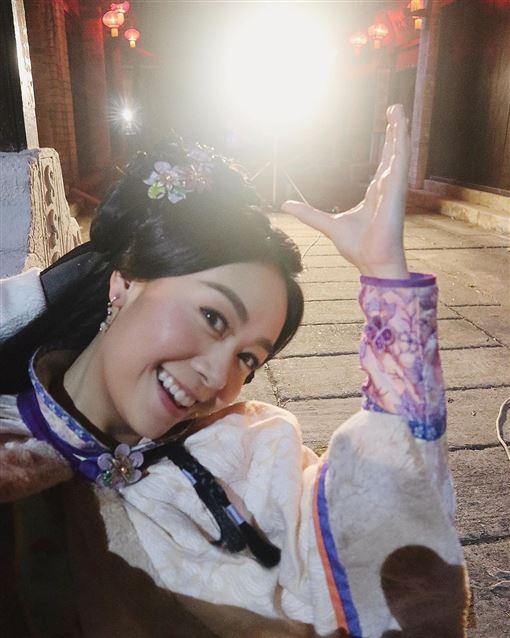 黃心穎演出的《丫鬟大聯盟》收視不佳。(圖/劇照/黃心穎IG)