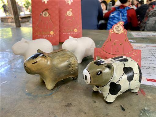 過年祈好運!埔心牧場豚神神社供參拜 還能餵食超萌動物