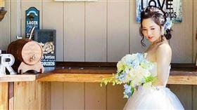 蒼井空近日曬婚紗,透露日前已到夏威夷補辦婚禮。(圖/翻攝自蒼井空IG)
