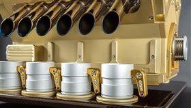 ▲Espresso Veloce Royale 01 V12引擎咖啡機。(圖/翻攝網站)