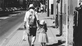 父女,親情。(圖/翻攝自免費圖庫pexels)