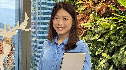 台灣微軟畢業實習生24歲創業台灣微軟從2004年開始推動「未來生涯體驗計畫」,15年來培育出超過1000名人才到各大企業就職。曾加入實習計畫的黃思婷於24歲創業,目前擔任精品代理商義米花品牌總監。中央社記者吳家豪攝 109年1月22日