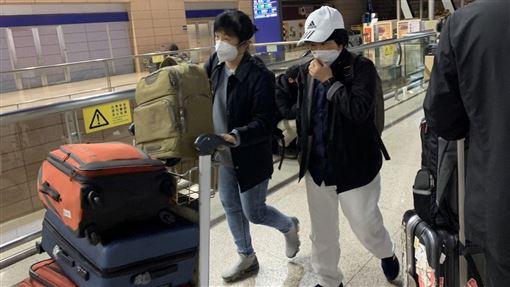 圖/記者谷庭攝,上海機場戴口罩