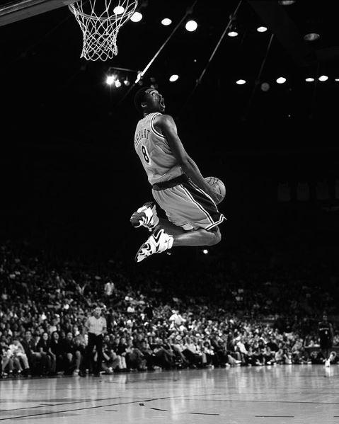柯比墜機/老東家Adidas讚「真正傳奇」:會被永懷念(圖/翻攝自Adidas IG)