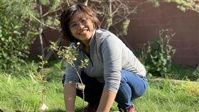 種樹女王程禮怡宏願種10億顆樹慈心有機農業發展基金會海岸造林專案總監程禮怡表示,她自己很努力種樹,也希望帶動更多人加入,期盼完成未來25年內植樹10億棵的目標。(程禮怡提供)中央社記者張雄風傳真 109年1月28日