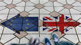 英國國會19日將表決首相強生版的脫歐協議,決定英國是否能在萬聖節和歐盟分手。(示意圖/圖取自Pixabay圖庫)