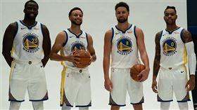 NBA/將搭檔羅素!柯瑞不擔心磨合 NBA,金州勇士,Stephen Curry,D'Angelo Russell 翻攝自勇士官方推特