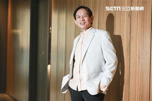 殷正洋接受三立新聞網專訪。(圖/記者林士傑攝影)