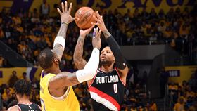 NBA/柯比逝世後首戰 湖人輸了 NBA,波特蘭拓荒者,Damian Lillard,洛杉磯湖人,Kobe Bryant 翻攝自推特