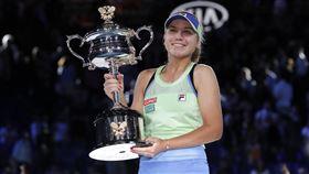 ▲21歲的科寧(Sofia Kenin)成為澳網12年來最年輕冠軍。(圖/美聯社/達志影像)