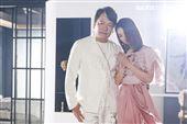 陳小菁、袁小迪合作音樂錄影帶拍攝側拍。(圖/記者林士傑攝影)