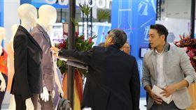 台北紡織展登場  民眾參觀(2)第23屆台北紡織展(TITAS)7日在台北南港展覽館登場,今年參展廠商共計423家,使用逾1000個攤位,創下開展規模之最。中央社記者鄭傑文攝 108年10月7日