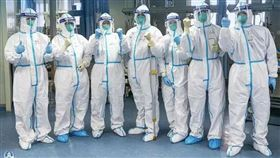 武漢肺炎疫情擴散,中國有自信解決疫情。(圖/翻攝自中國軍網微信微信)