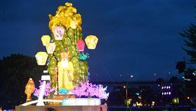 2020新北燈會開幕點燈(1)「2020第3屆新北燈會:家金鼠喜」7日晚間在新北大都會公園正式點燈開幕,今年以「新北十景」為主題打造主燈,展現新北市特色景點及意象。(新北市民政局提供)中央社記者黃旭昇新北市傳真 109年2月7日