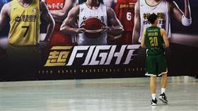 周伯勳是本季SBL首位被驅逐出場的球員。(圖/中華籃協提供)