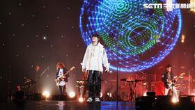 宇宙人小巨蛋演唱會 相信音樂提供  外場防疫量體溫記者鄭尹翔攝影