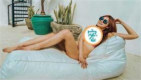 ▲蘿莉塔於臉書分享系列泳裝照(圖/翻攝自臉書)