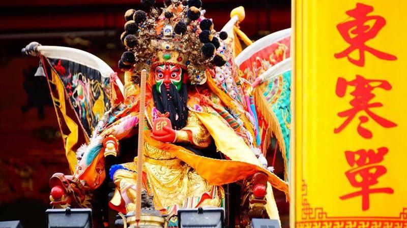 台灣唯一不穿衣的慶典 比蜂炮更危險