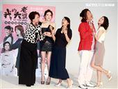 「我的大老婆」舞台劇演員王琄、許瑋甯、姚坤君、曾國城、范乙霏。(記者邱榮吉/攝影)