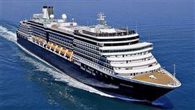 泰國衛生部長11日表示,禁止荷美公司旗下郵輪威士特丹號(Westerdam)乘客下船。(圖翻攝自facebook.com/HALCruises)