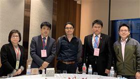 ▲台北市旅館公會理事長韋建華(左二)召開會議因應疫情衝擊。(圖/記者唐家興影)