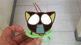 原PO貼出假蟑螂奶嘴的照片。(圖/翻攝自爆怨公社FB)