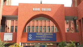 加爾基女子大學學生驚傳大規模性侵、施暴案件。(圖/翻攝自Gargi College)