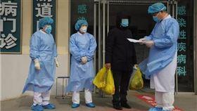確診男害慘117人 一出院秒遭逮捕,武漢肺炎,感染(圖/翻攝自愛青島)