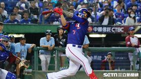 ▲世界棒球12強賽台灣中華隊王威晨林立張志豪委內瑞拉蘇智傑。(圖/記者林聖凱攝影)