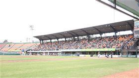 ▲統一獅與富邦悍將台南春訓練習賽吸引相當多球迷進場。(圖/富邦悍將球團提供)