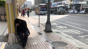 台北市汪姓男子飛車搶奪燒烤店女客手提包遭逮(翻攝畫面)