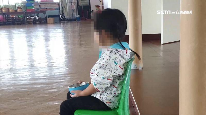 獨家/沒繳延托費!小孩遭幼兒園「隔離」 家長控不平對待