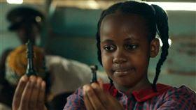 曾拍攝迪士尼電影《逐夢棋緣》(Queen of Katwe)的烏干達童星尼基塔(Nikita Pearl Waligwa)因腦瘤病逝,年僅15歲。翻攝自IMDB