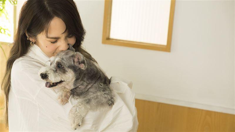 楊丞琳為愛犬而唱 15年感情全記得