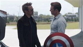 美國隊長最多的台詞果然是鋼鐵人「Tony」。(圖/翻攝自Chris Evans IG)