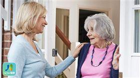 名家專用/NOW健康/患有結腸癌或直腸癌的老年婦女患者,建議尋求社會、網路支持,降低死亡風險。(勿用)