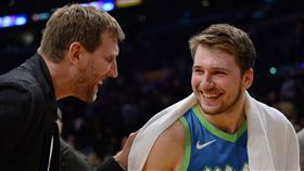 NBA/感動!東契奇用德佬絕招得分 NBA,達拉斯獨行俠,Dirk Nowitzki,Luka Doncic 翻攝自推特