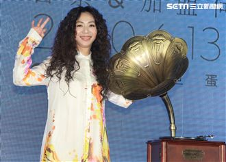 萬芳30台北小巨蛋演唱會售票暨加盟何樂音樂記者會。(記者邱榮吉/攝影)