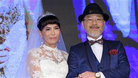 61歲班鐵翔與台商女友Celine補辦盛大婚宴。(記者林士傑/攝影)