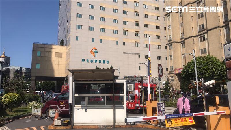 快訊/新店耕莘醫院火警 人員疏散中