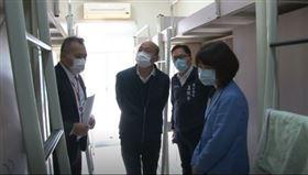 韓國瑜訪視高雄移工宣導防疫,高雄市府提供
